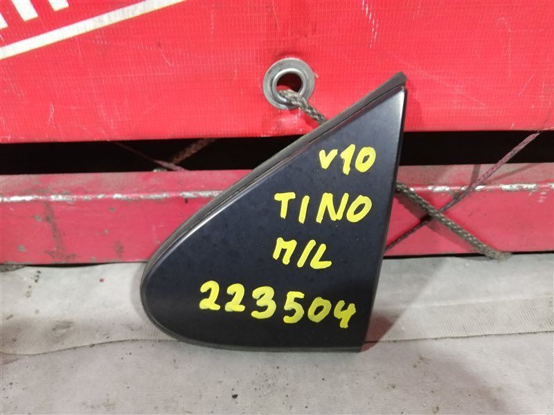 Накладка на крыло Nissan Tino V10 QG18DE 1998 передняя левая