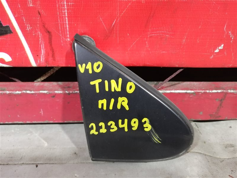 Накладка на крыло Nissan Tino V10 QG18DE 1999 передняя правая