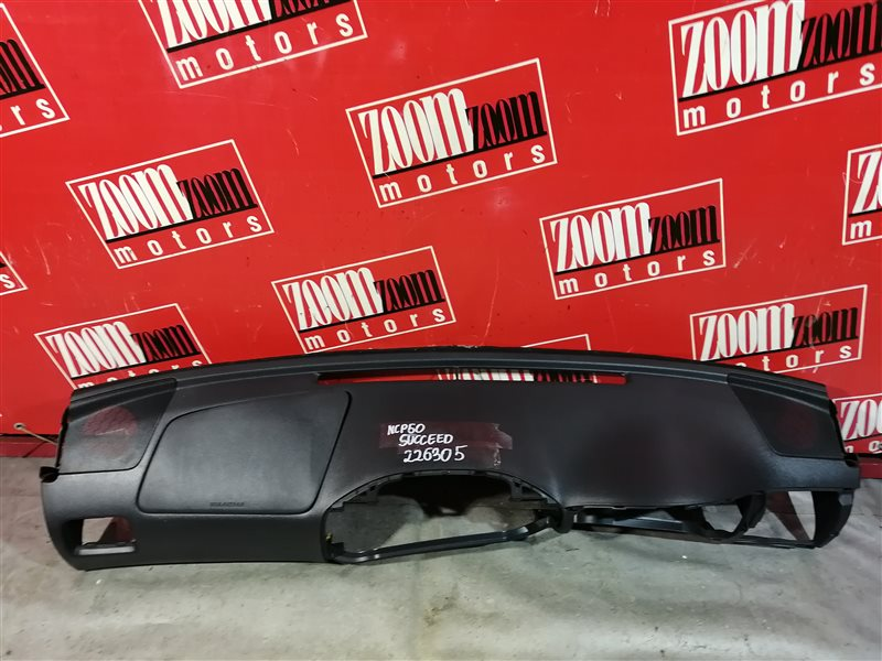Панель передняя в салон (торпеда) Toyota Succeed NCP50 1ND-TV 2002 передний верхний черный
