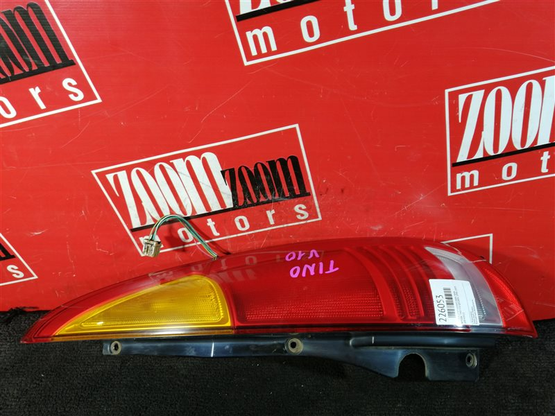 Фонарь (стоп-сигнал) Nissan Tino V10 QG18DE 1998 задний правый 220-63522