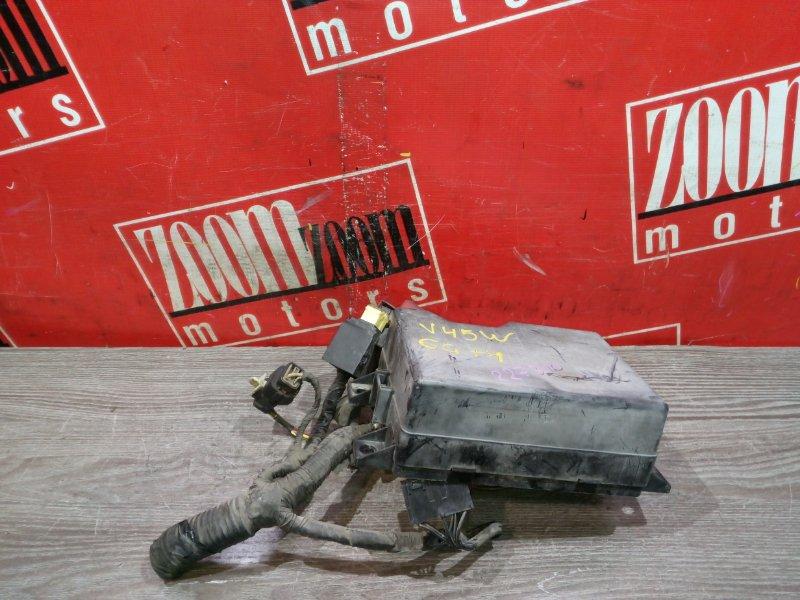 Блок реле и предохранителей Mitsubishi Pajero V45W 6G74 1997 передний