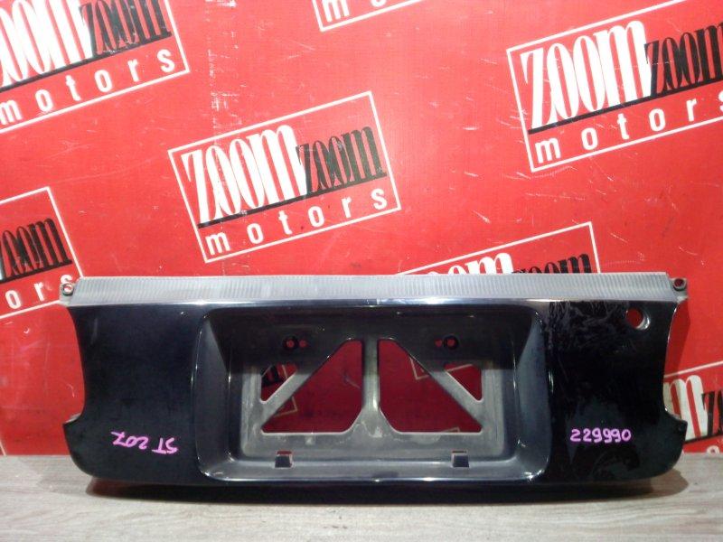 Вставка между стопов Toyota Curren ST207 3S-FE 1994 задняя черный