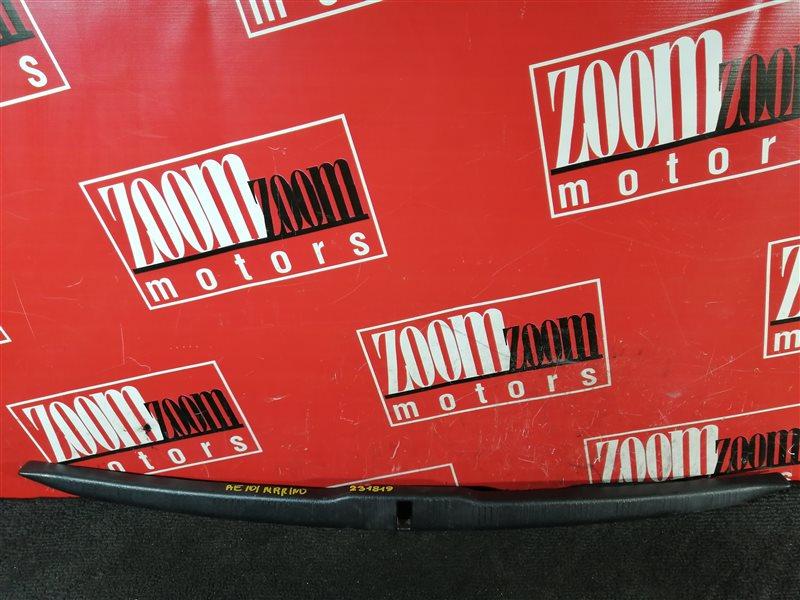 Накладка багажника Toyota Sprinter Marino AE101 4A-FE 1992 задняя