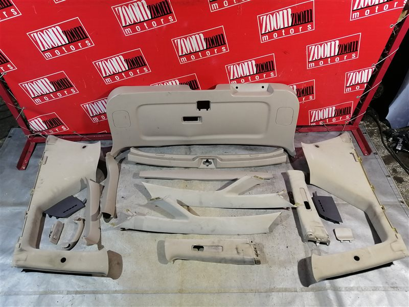 Обшивка багажника Toyota Ipsum SXM10 3S-FE 1996 задняя бежевый