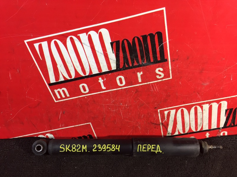 Амортизатор Mazda Bongo SK82M F8 передний