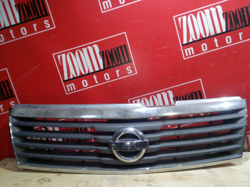 Решетка радиатора Nissan Liberty RM12 QR20DE 2001 передняя хром