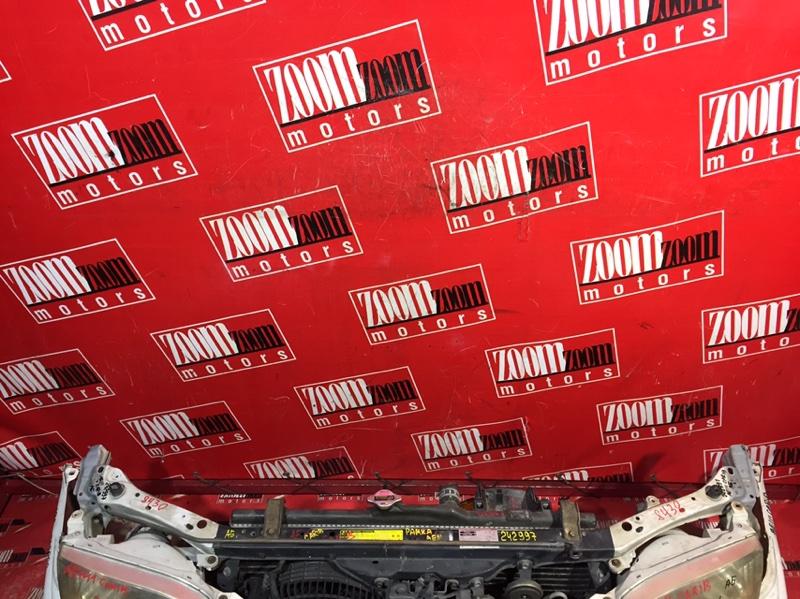 Рамка радиатора Toyota Sprinter Carib AE111 4A-FE 2000 передняя белый