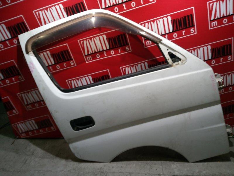 Дверь боковая Nissan Caravan QE25 KA20DE 2001 передняя правая белый
