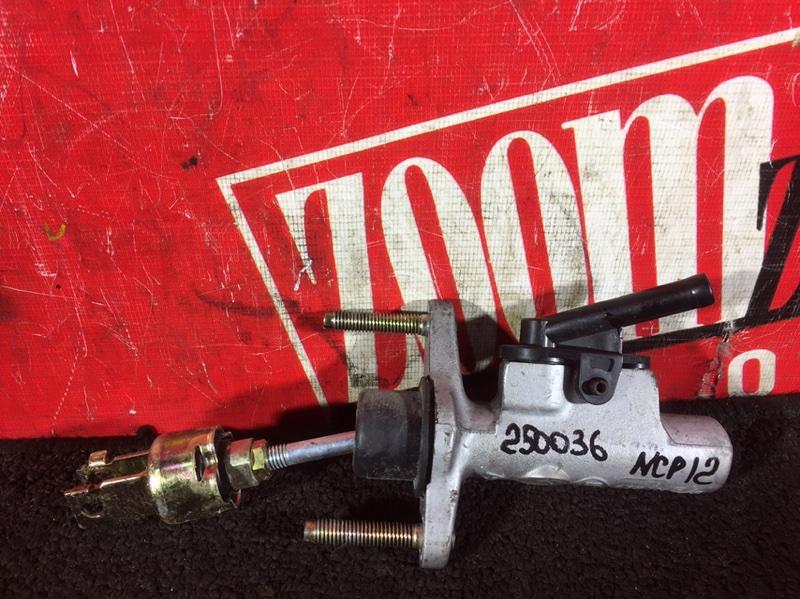 Главный цилиндр сцепления Toyota Platz NCP12 2NZ-FE 1999