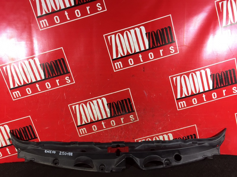 Накладка на решетку радиатора Toyota Wish ANE10 1AZ-FSE 2003