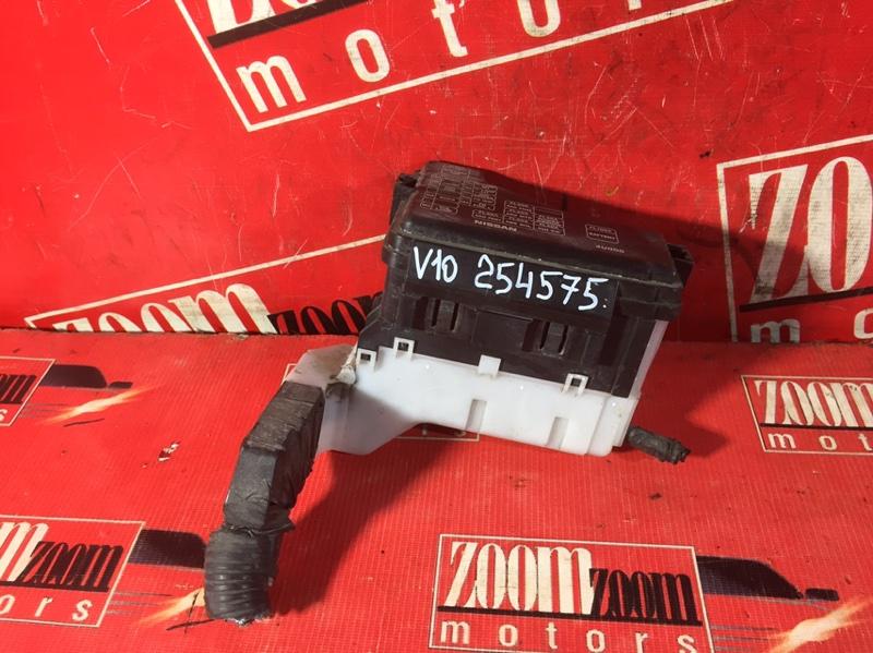 Блок реле и предохранителей Nissan Tino V10 QG18DE 1998