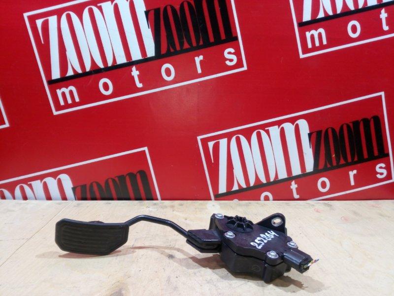 Педаль Toyota Wish ZGE20 2ZR-FAE 2009