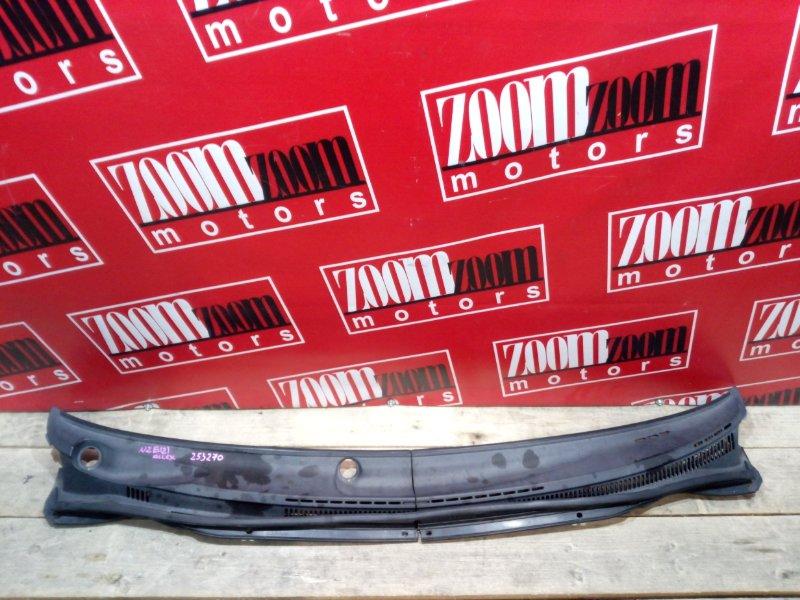 Решетка под лобовое стекло Toyota Allex NZE121 1NZ-FE 2001 белый