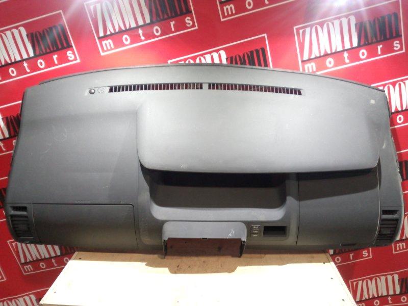 Панель передняя в салон (торпеда) Toyota Voxy ZRR70 3ZR-FE 2007 черный