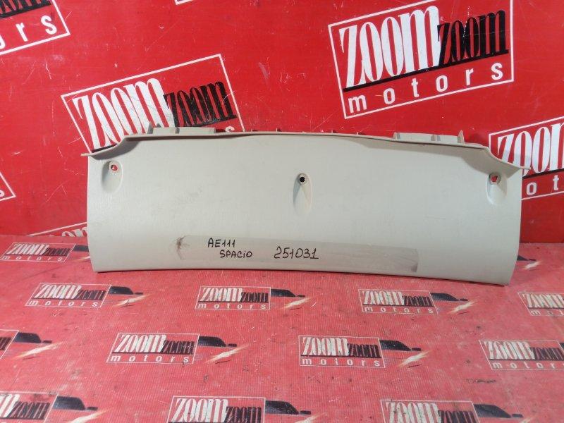 Накладка багажника Toyota Corolla Spacio AE111 4A-FE 1995 задняя