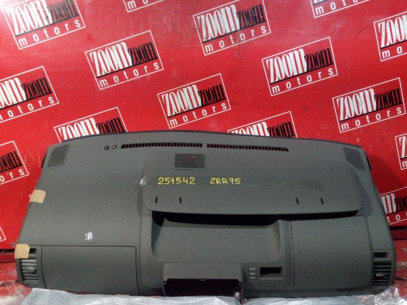 Панель передняя в салон (торпеда) Toyota Noah ZRR75W 3ZR-FAE 2007 верхний