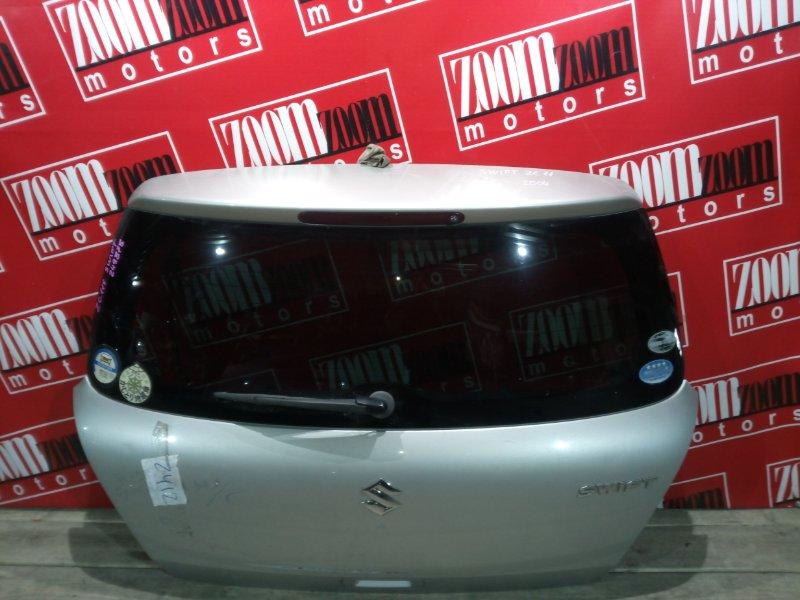 Дверь задняя багажника Suzuki Swift ZC11S M15A 2004 задняя серебро