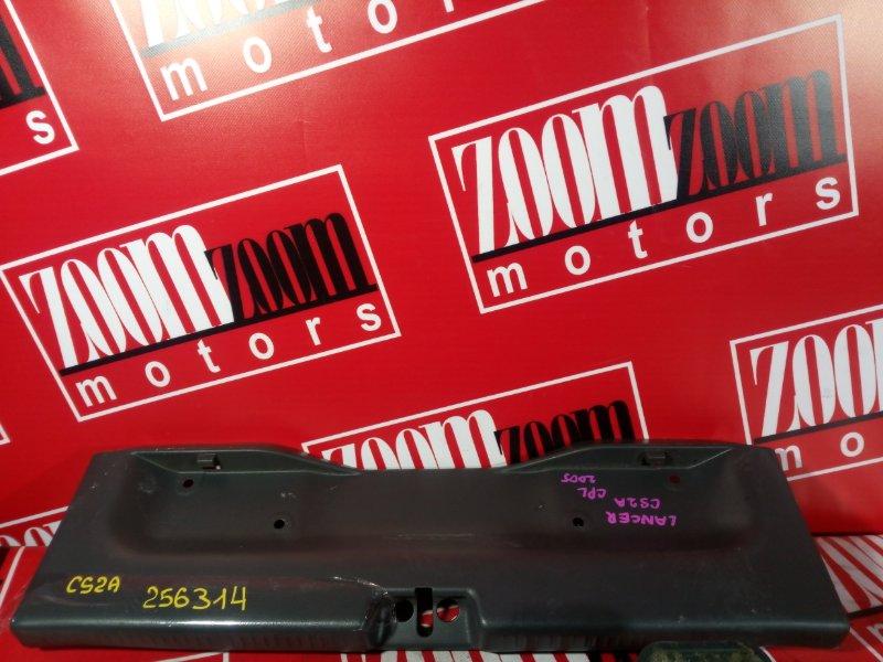 Накладка багажника Mitsubishi Lancer CS2A 4G15 2000 задняя