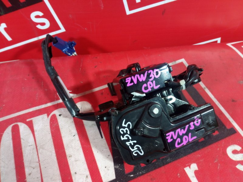 Замок багажника Toyota Prius ZVW30 2ZR-FXE 2009 задний