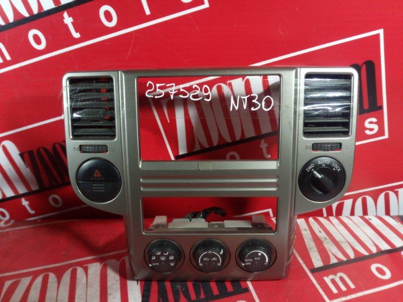 Консоль панели приборов Nissan X-Trail NT30 QR20DE 2000