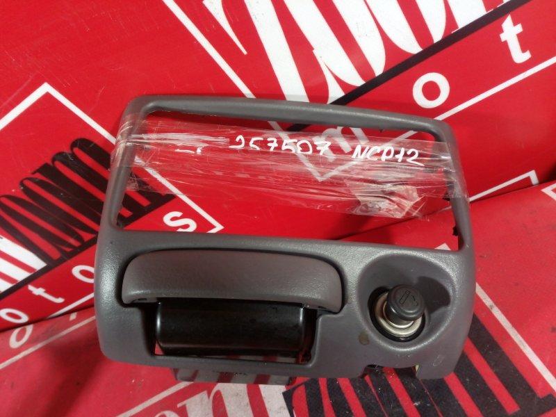 Рамка (консоль магнитофона) Toyota Platz NCP12 1NZ-FE 1999