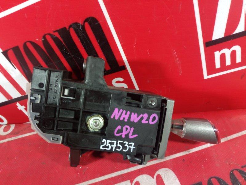 Рычаг переключения кпп (селектор) Toyota Prius NHW20 1NZ-FXE 2003