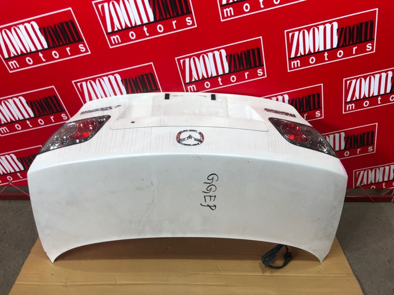 Крышка багажника Mazda Atenza GGEP LF-VE 2002 белый перламутр