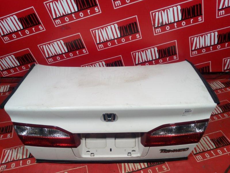 Крышка багажника Honda Torneo CF4 F18B 2001 задняя белый