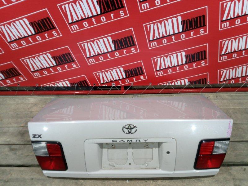 Крышка багажника Toyota Camry CV40 3C-T 1994 задняя бежевый