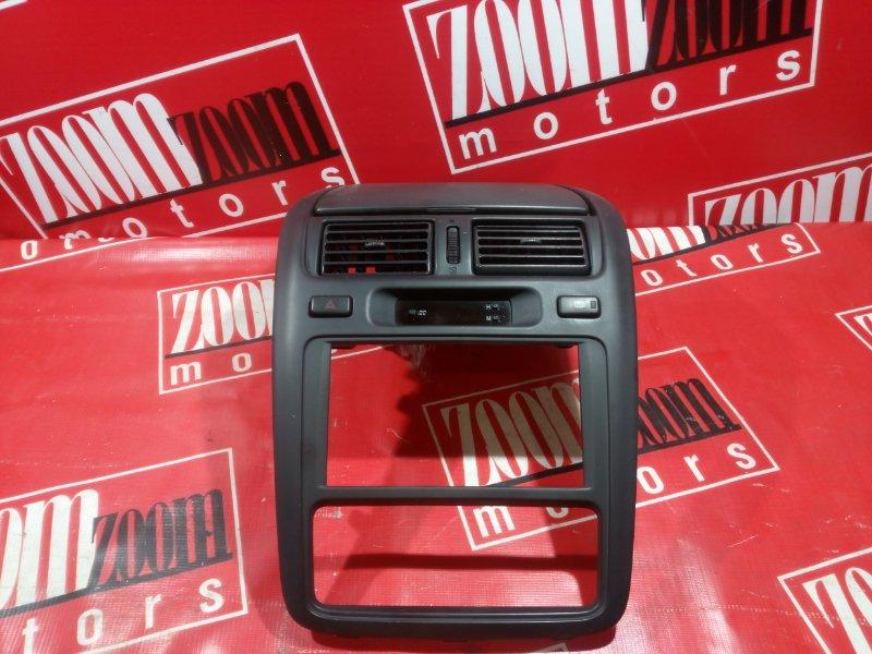 Консоль панели приборов Toyota Ipsum SXM10 3S-FE 1996 серый