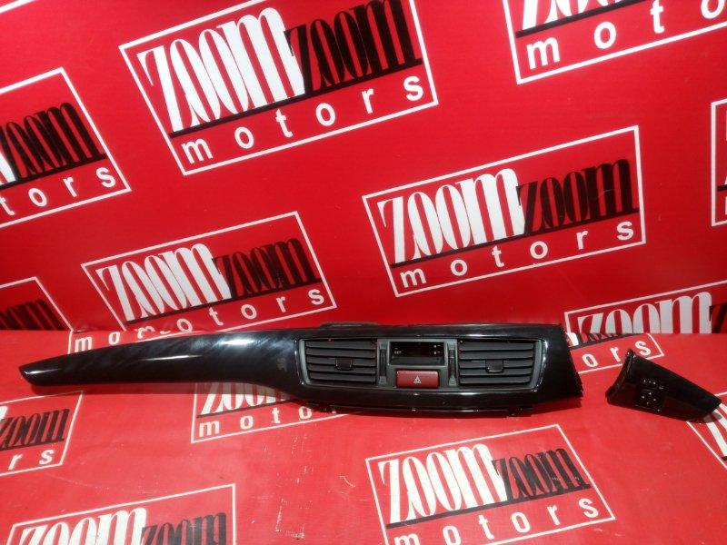 Консоль панели приборов Mitsubishi Lancer CS5W 4G93 2000 серый