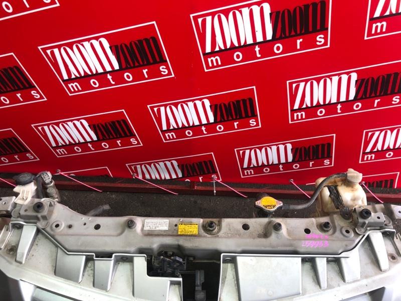 Рамка радиатора Toyota Passo Sette M502E 3SZ-VE 2008 серебро