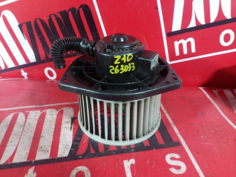 Вентилятор (мотор отопителя) Nissan Cube AZ10 CG13DE 1998