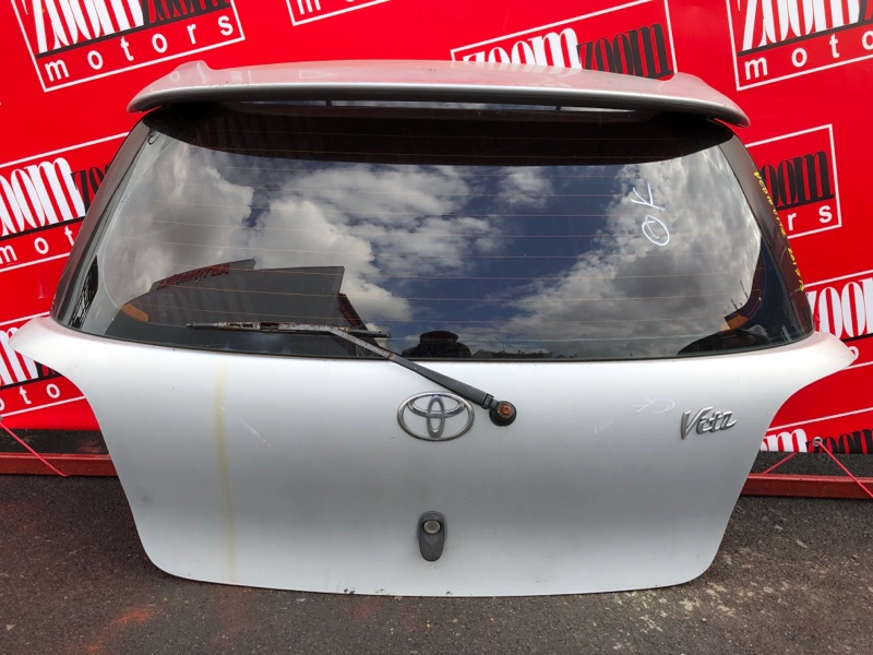 Дверь задняя багажника Toyota Vitz NCP10 2NZ-FE 1999 серебро