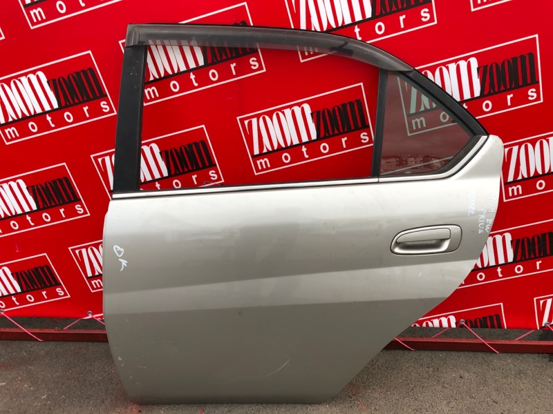 Дверь боковая Toyota Prius NHW11 1NZ-FXE 2000 задняя левая серебро