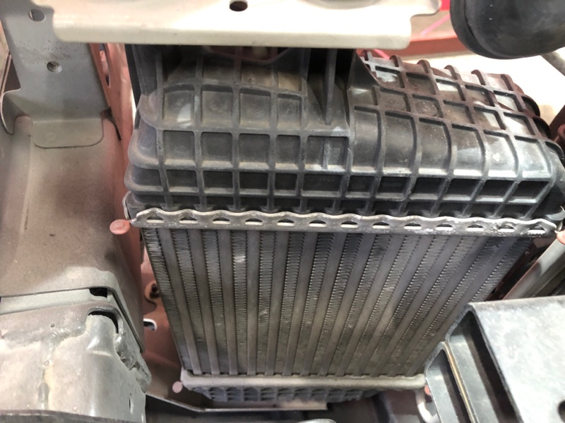 Радиатор интеркулера Nissan Note E12 HR12DDR 2012