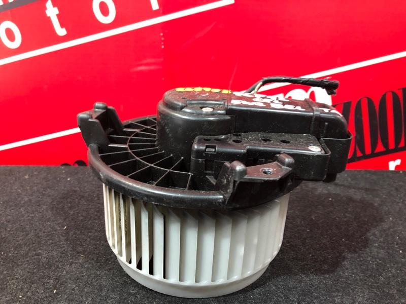 Вентилятор (мотор отопителя) Toyota Belta SCP92 2SZ-FE 2005