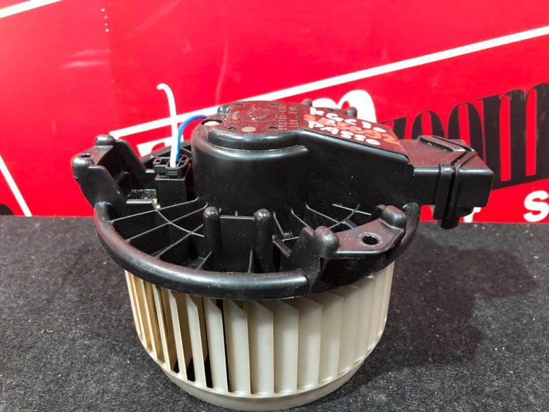 Вентилятор (мотор отопителя) Toyota Passo KGC30 1KR-FE 2010