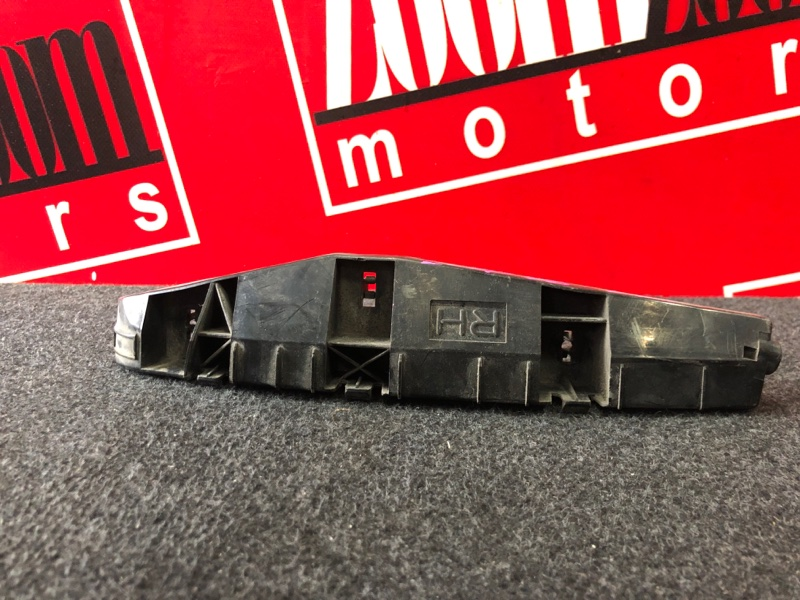 Клипса бампера Toyota Will Cypha NCP70 2NZ-FE 2002 передняя правая