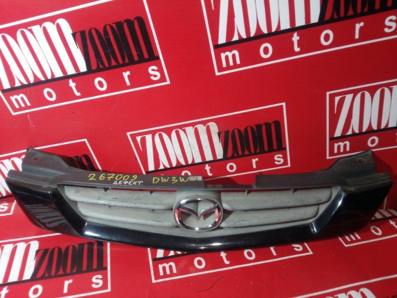 Решетка радиатора Mazda Demio DW3W 1999 черный