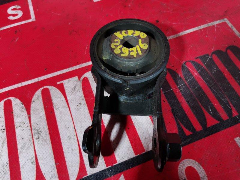 Подушка двигателя Toyota Vitz KCP90 1KR-FE 2005