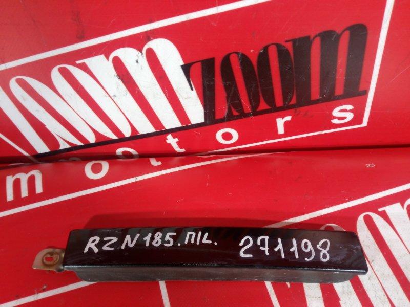 Планка под фару Toyota Hilux Surf RZN185 3RZ-FE 1995 передняя левая черный
