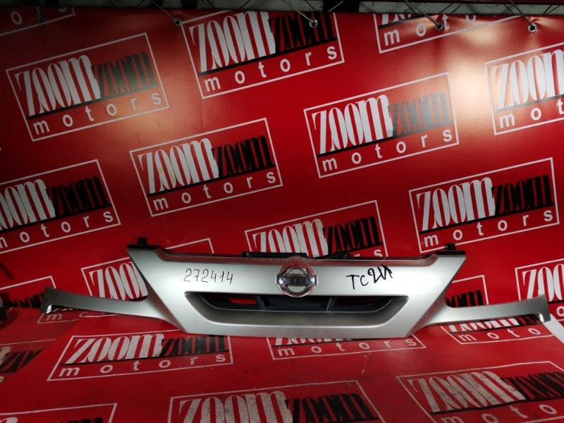 Решетка радиатора Nissan Serena TC24 QR20DE 2001 передняя серый