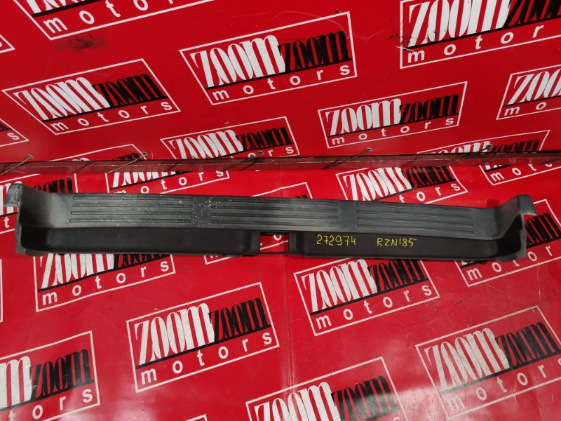 Накладка бампера Toyota Hilux Surf RZN185 3ZR-FAE 1995 задняя черный