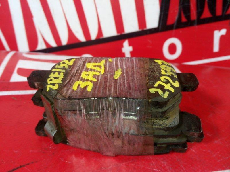 Колодки тормозные Toyota Auris ZRE152 2ZR-FAE 2006 задние