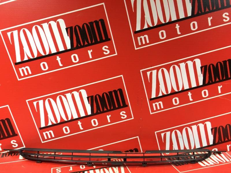 Решетка радиатора Toyota Wish ZNE10 1ZZ-FE 2003 передняя черный