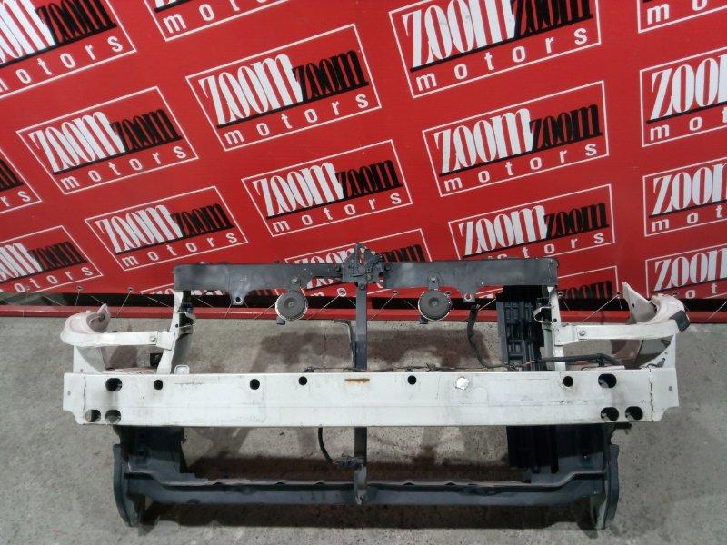 Рамка радиатора Toyota Isis ZNM10 1ZZ-FE 2004 белый