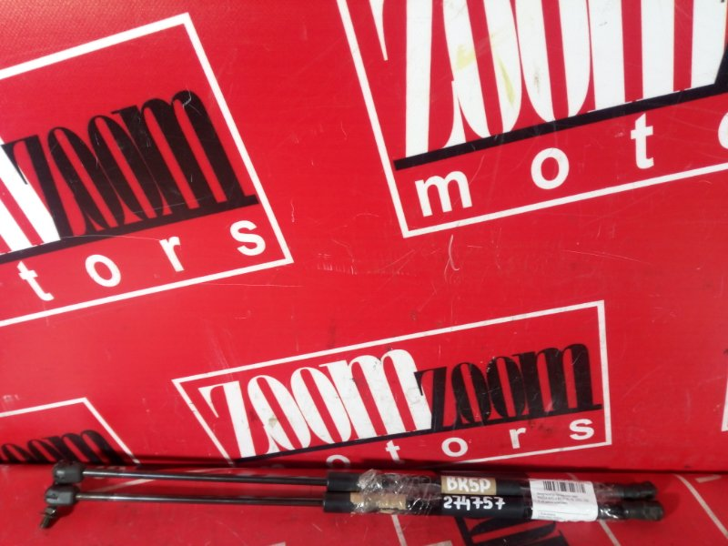 Амортизатор багажника Mazda Axela BK5P ZY-VE 2002 задний