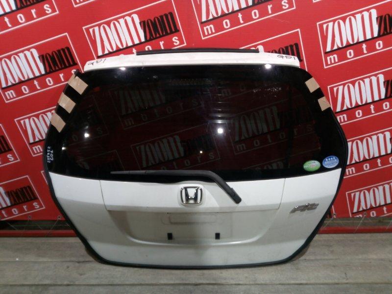 Дверь задняя багажника Honda Fit GD1 L13A 2001 задняя белый