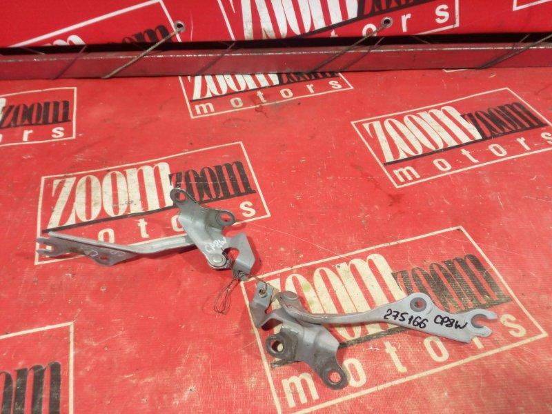 Кронштейн капота Mazda Premacy CP8W FP-DE 1998 серебро
